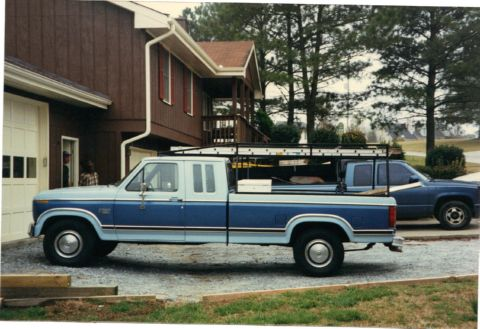 Blue_truck_ladder_rack