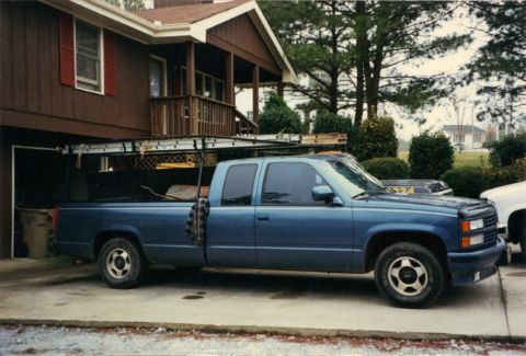 Ladder_rack_blue_chevy_truck